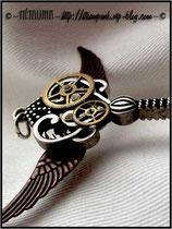 Détails des engrenages du bijoux pendentif clef steampunk créé par la créatrice Métaluna _ Blog : steampunk.vip-blog.com