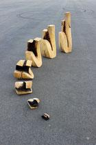 Christian Feig, Hybris, 2012, 7-teilig, Lindenholz, 104 x 110 x 205 cm