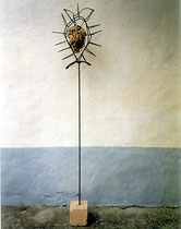 The Cage, Metall, Stein, 165 x 37 cm, 1200 €