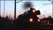 In den Abendstunden des 11.04.2009 konnte die Eisenacher Dampflok 41 1144 während einer kurzen Rangierfahrt in Niederwiesa gesehen werden.