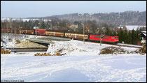 Am 15.01.2009 hat eine Lok der Baureihe 155 den VW-Zug nach Mlada Boleslav am Haken.