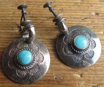3460 Navajo Earrings w/turquoise c.1950 .875 round $65