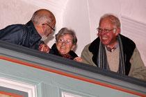 Auch vom Balkon nur strahlende Gesichter.