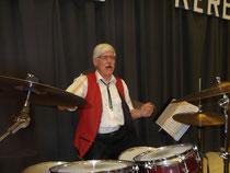 Bruno der singende Schlagzeuger.