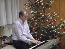 ....und angenehme Unterhaltung von Paul am Keyboard.