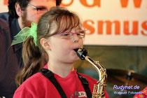 Man soll es nicht glauben, auch das Saxophon gibt ein Ton.