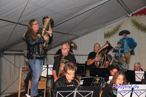 Ohne Zugaben kamen die Wallauer Rockmusiker nicht von der Bühne.