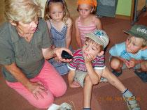 Die Kinder erfahren viel Intressantes aus dem Leben der Mauersegler