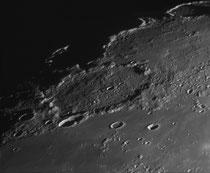 Cratère J. Herschel 156x156 km, Horobow & Horobow A 25x25 km