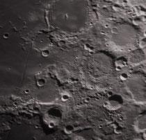 Cratères du haut vers le bas, Pitatus 98X98 km, Hesiodus 43X43 km, Gauricus 80X80 km, Wurzelbauer 88X88 km, Wurzel. D 38X38 km, Cichus 41X41 km