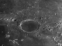 Cratère Plato 101x10 km, rimae Plato ?x2 km