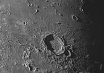 Cratère Aristoteles 88x87km, Egede 37x36 km, Mitchel 30x30km, Gale 22x21 km
