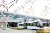 春の富山駅・セントラム(富山市)