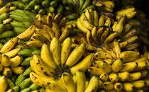 Bananen auf einem Markt in Tansania