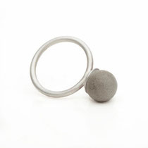 ring, small concrete pearl (10 mm)