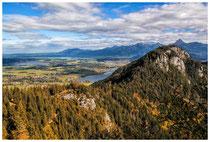 6766 Blick von der Ruine Falkenstein auf den Hopfensee, Forggensee und den Weißensee