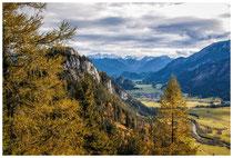 6743 Blick von der Ruine Falkenstein auf Vils in Tirol