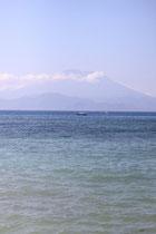 """Der """"große Berg"""" der gleichzeitig ein Vulkan auf Bali ist und 1963 das letzte Mal richtig ausgebrochen ist."""