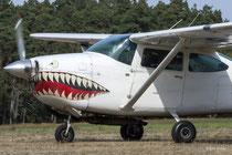 Cessna 182M Skylane - G-CINF