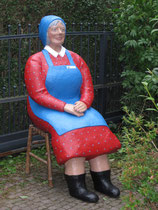 Betonfigur-Gartenfigur-Bäuerin