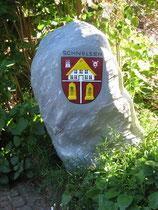 Betonfigur-Stein-mit-Schnelsen-Wappen, ca. 78cm hoch