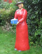 Betonfigur-Gartenfigur-Frau-mit-Geschenk