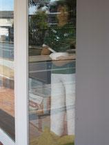 Betonfigur-Apothekerin, zu sehen in der Linden-Apotheke, Neuenkirchen