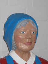 Betonfigur-Gartenfigur-Bäuerin-Portrait