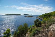 Südküste der Insel Kocula