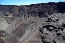 Krater Dolomieu, Hauptkrater vom Piton de la Fournaise, 2632m