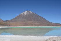 Laguna Verde mit dem Volcán Licancabur, 5916m