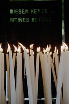 Die Kerzen verlängern unser Gebet