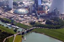 Der Nordhafen Walsum mit dem neuen Kraftwerk.