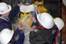 April 2008 - Das Legoland Discovery Centre Duisburg im Wehrhahnspeicher am Innenhafen steht kurz vor seiner Eröffnung. Die ersten Modelle werden von einer Kindergartengruppe in Empfang genommen.