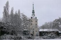 Januar 2009 - Das neue Jahr fängt ja gut an. 15 cm Schnee fallen Sonntag Nacht, die Marienkirche sieht romantisch verschneit aus. Und die Kinder haben kurz vor Ende der Ferien so richtig Spaß.