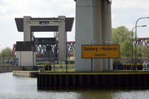 Nach der Schleusenausfahrt - unter der Berliner Brücke der A59