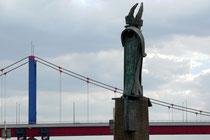 Das Denkmal für den Patron der Binnenschiffer, den hl. Nikolaus
