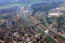 Parallelhafen, Außen- und Innenhafen.