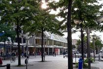 Die Königstraße mit dem Karstadt-Gebäude
