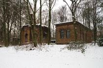 Kaiserberg - Ruine des Wasserturms und renoviertes Pumpenhaus
