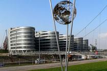 """Februar 2007 - Das """"Five Boats"""" ist ein Bürokomplex am Innenhafen. Seit dem 1. Februar sendet der WDR aus seinem Studio Duisburg in diesem Gebäude Montags bis Samstags die """"Lokalzeit""""."""