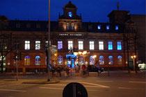 Januar 2007 - Das Casino Duisburg in der alten Post - ein bekannter Anblick. Das Gebäude wurde 1891 im Stil des Neobarock errichtet und diente bis 2001 als Postgebäude. Das Casino wird ab Februar in das neue CityPalais am König-Heinrich-Platz umziehen.