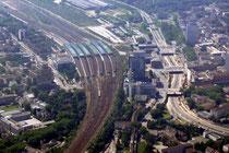 Hauptbahnhof und A59 (Nord-Süd-Straße).