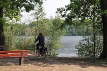 Mai 2011 - Das war ja schon fast ein vorgezogener Sommer im April! Wer da nicht die Sonne ausgenutzt hat ist selber schuld. Die 6-Seen-Platte war nur eines der Sonnenziele in Duisburg.