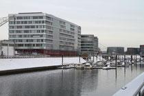 Innenhafen - Hitachi und Marina