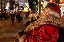 Dezember 2006 - Aufregung auf dem Weihnachtsmarkt: an den Verkaufsständen sollte keine Musik gespielt werden, um Ballermann-Stimmung an den Bier- und Glühweinständen zu vermeiden. Kompromiss am Ende: eine einheitliche Beschallung mit Weihnachtsmusik.