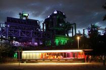 Juli 2012 - Stell dir vor es ist Extraschicht und das ganze Revier geht hin! Das Foto entstand bei der langen Nacht der Industriekultur im Landschaftspark DU-Nord an der Gleiswaage, kurz nach dem Feuerwerk.