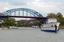 Jugendschiff Minchen vor der Bassinbrücke