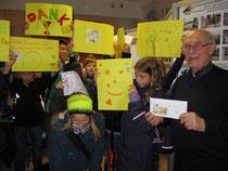 Die fleißigen Kinder haben 145 Euro Spenden eingesammelt!