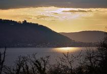 Blick von Sipplingen auf den Bodanrück im Sonnenuntergang 170407-10